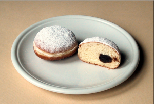 source: http://en.wikipedia.org/wiki/Berliner_ %28doughnut%29
