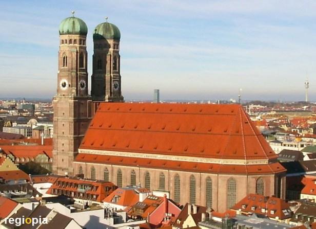frauenkirche-muenchen-sehenswuerdigkeiten-munich-cathedral-sights.jpg