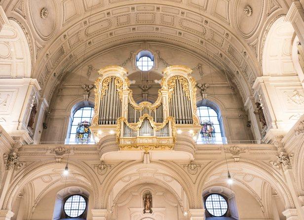 Orgel_St._Michael_Muu0308nchen_Foto_Walter_Gluu0308ck.jpg